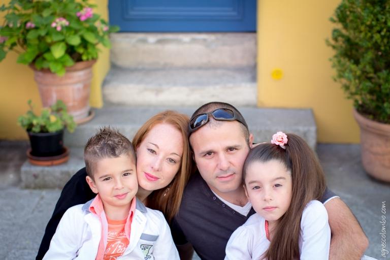 Seance photo famille coloree Paris | Agnes Colombo, photographe famille Paris