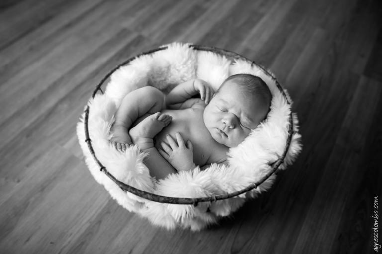Photographe bébé potelé Puteaux | Agnes Colombo, photographe bébé Paris
