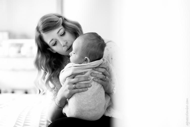Photographe spécialiste bébé Levallois-Perret | Agnes Colombo, photographe bébé Paris