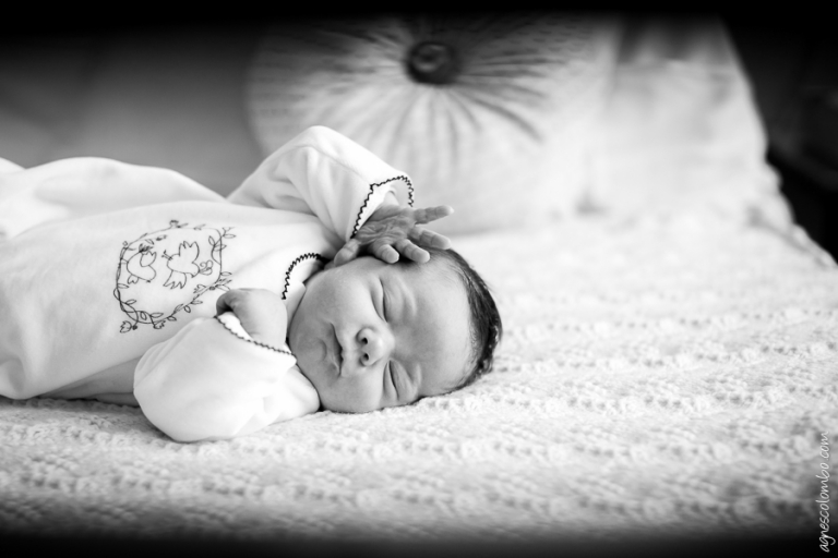 Photographe maternite Mignot Le Chesnay | Agnes Colombo, photographe bebe Paris