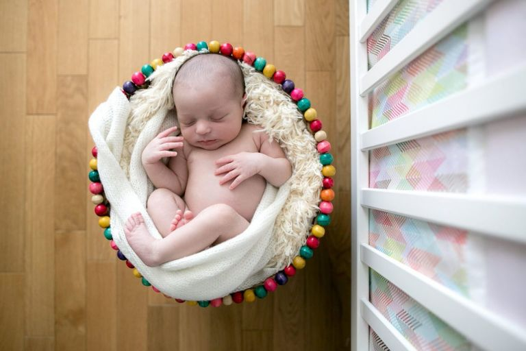 Posing bébé à domicile Paris & Hauts-de-seine