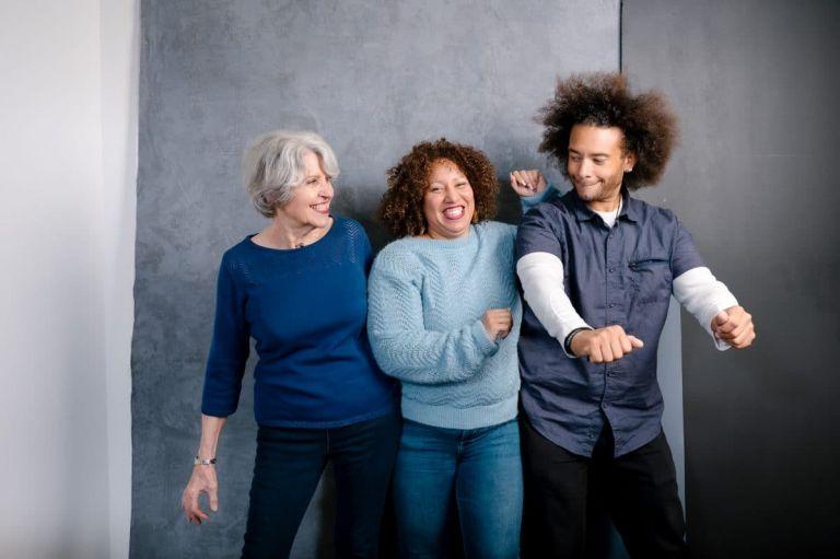 photo-famille-studio-decalee